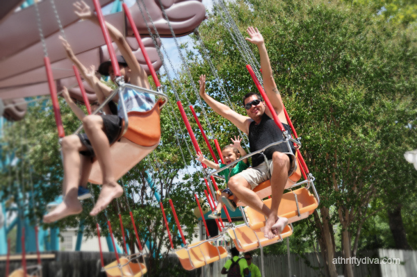 Riding Rides and Tailgating at Six Flags Chicken Snack. Our Easy Snack Chicken #ad #ChickenFryTime #cbias