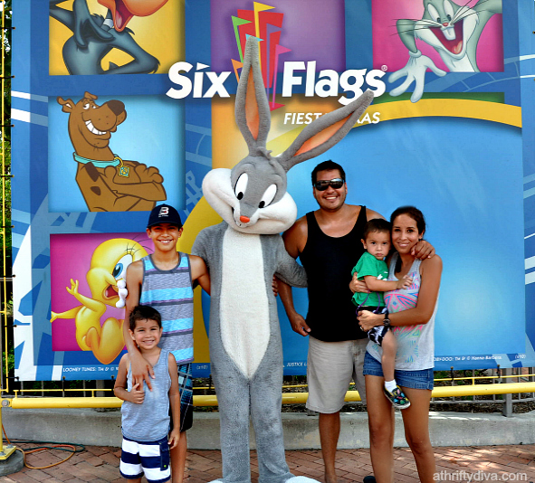 Bugs Bunny and Tailgating at Six Flags Chicken Snack. Our Easy Snack Chicken #ad #ChickenFryTime #cbias