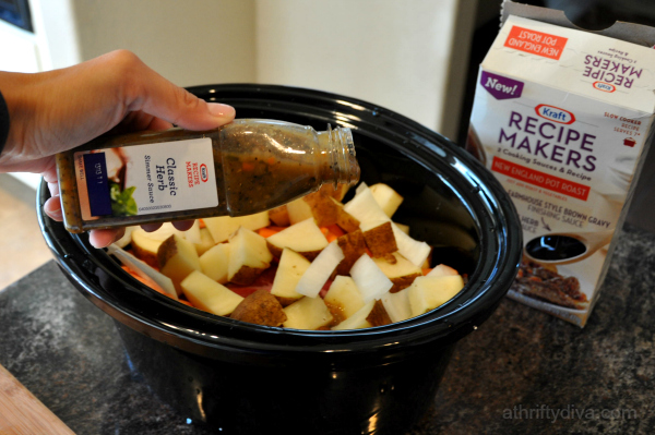 New England Pot Roast Meal Recipe Slow Cooker #kraftrecipemakers sauce