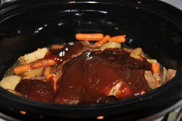 New England Pot Roast Meal Recipe Slow Cooker #kraftrecipemakers