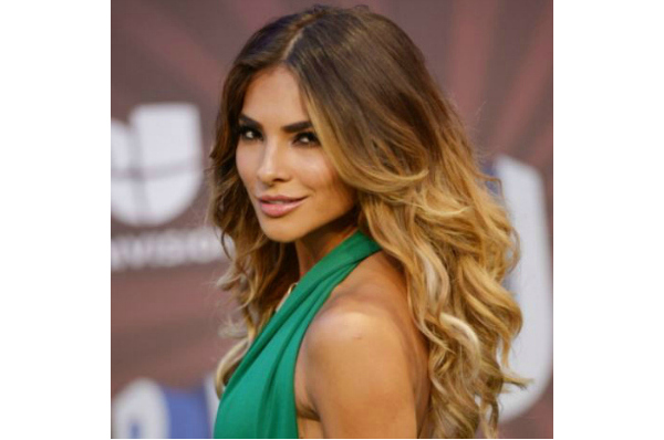 How To Recreate Alejandra Espinoza's Look Premios Juventud