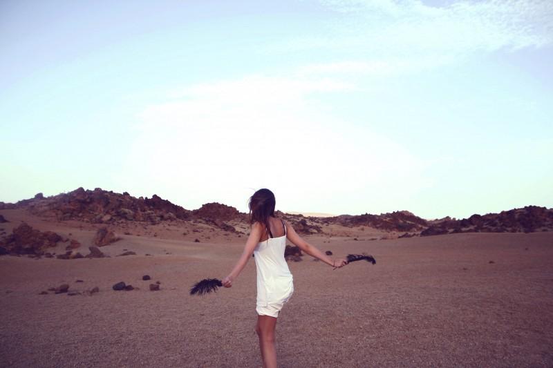 beach-desert-hot-5070