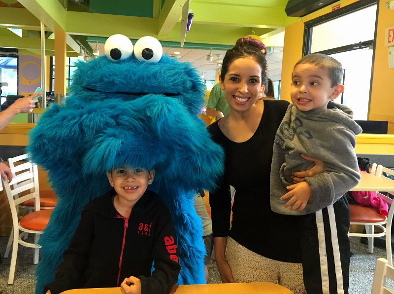 cookie monster sesame street sea world san antonio just for kids April #Wildside15