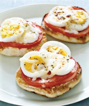 English Muffin Egg Pizza