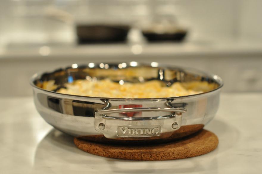 Viking 3-in-1 Tri-Ply Oval Roaster casserole dish