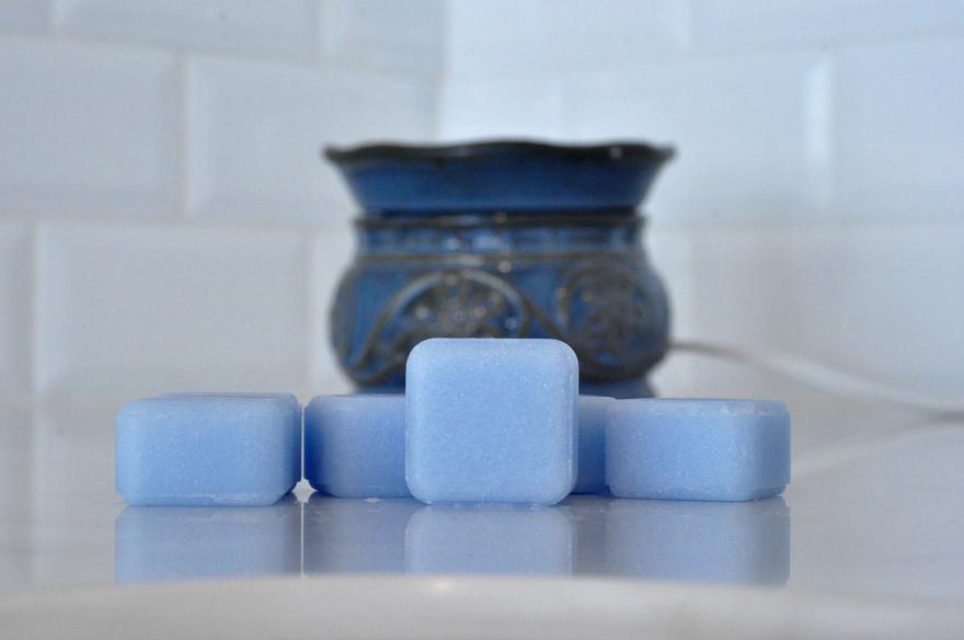 Glade® Clean Linen® Wax Melts