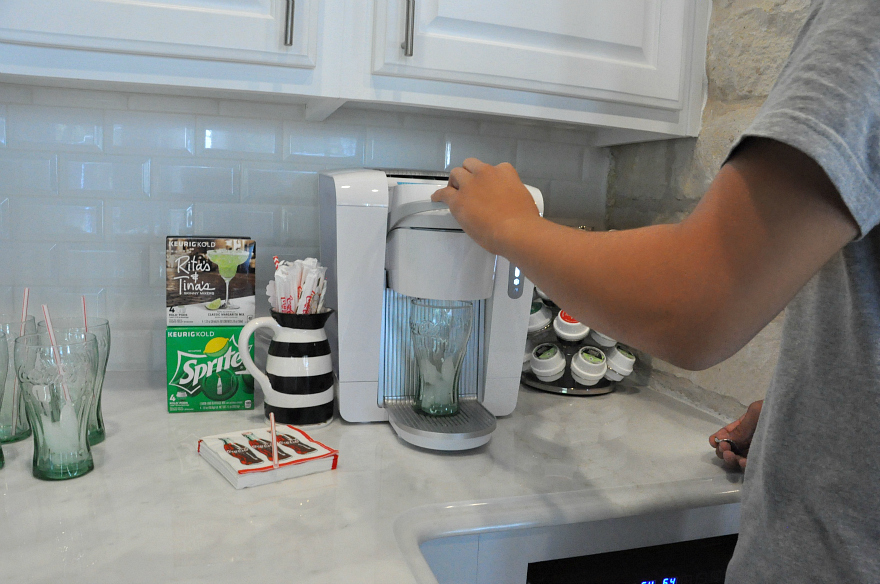 The New KEURIG KOLD trying out the KeurigKOLD