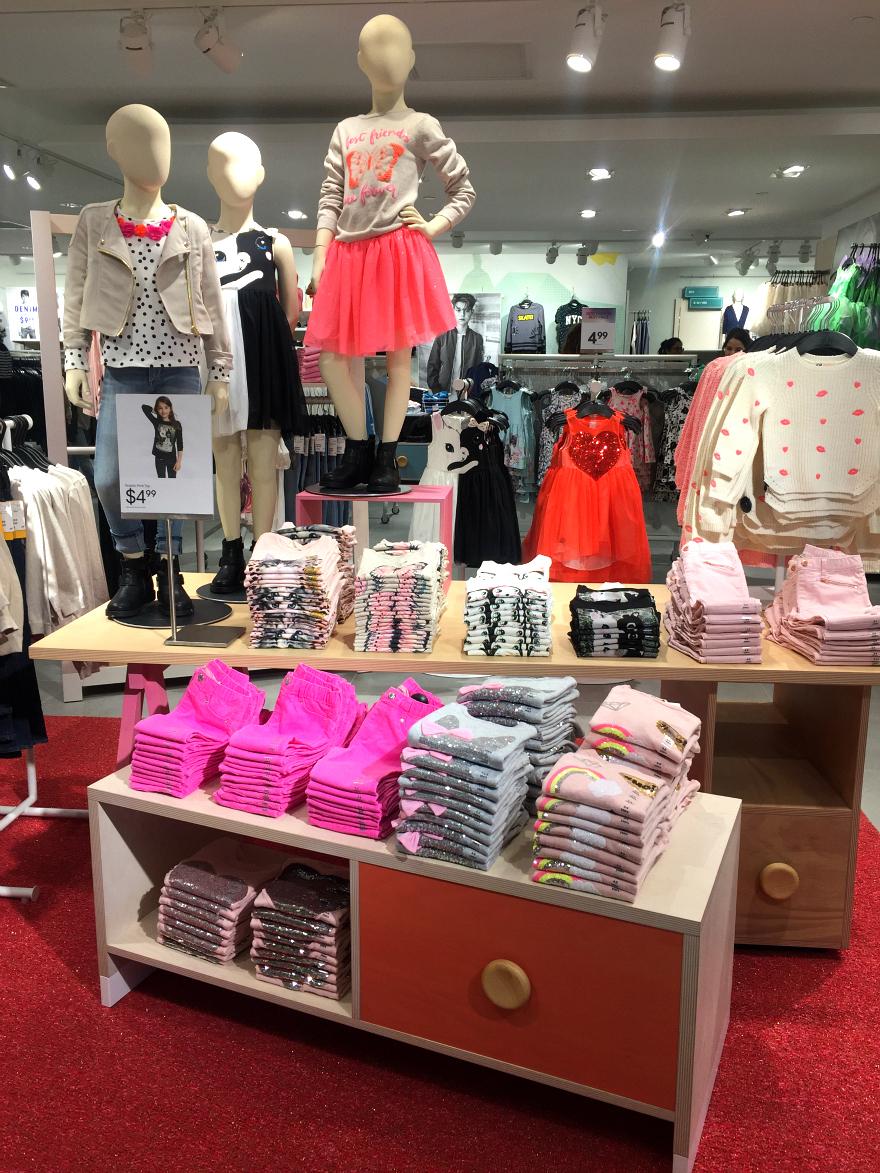 H&M girls San Antonio Rivercenter Mall Media Preview