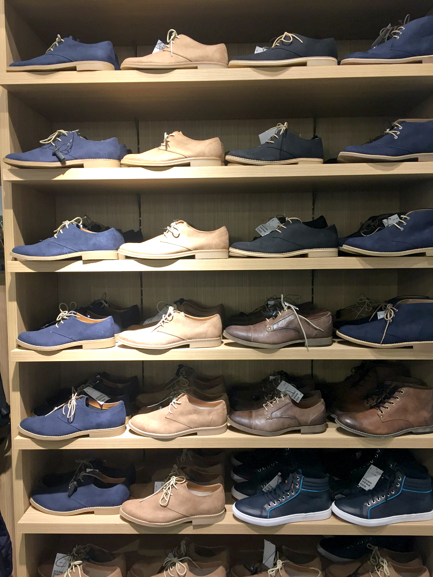 H&M mens shoes San Antonio Rivercenter Mall Media Preview