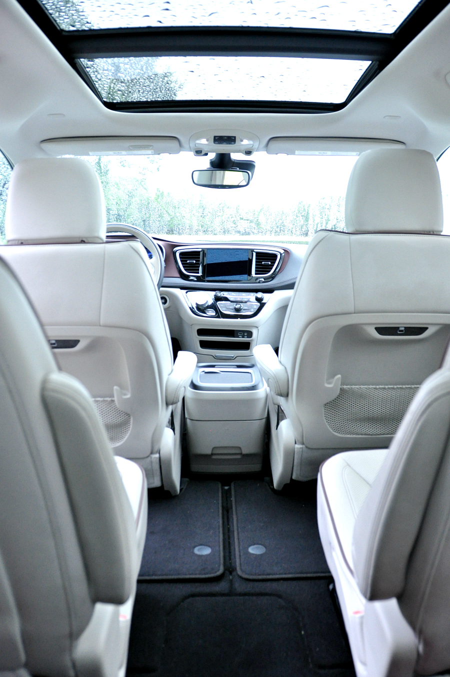 inside the Chrysler Pacifica 2017 Review #Pacifica #DriveShop #ad