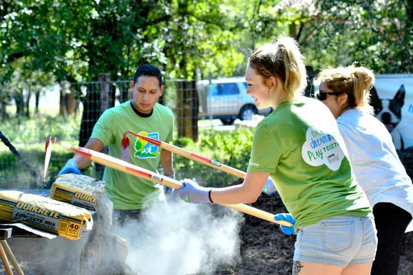 Beneful Dream Dog Park Awards San Antonio Lady Bird Johnson Volunteers