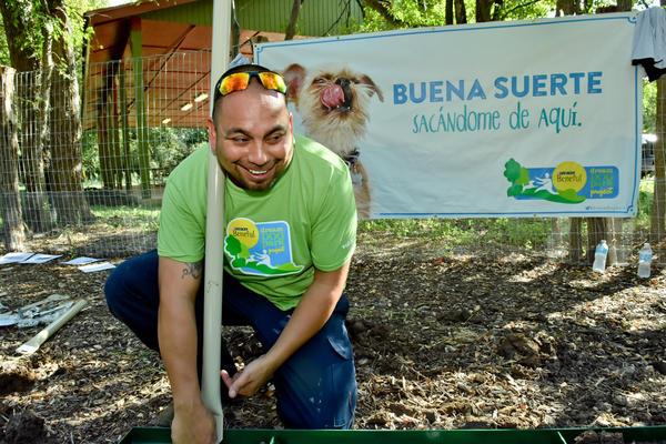 lBeneful Dream Dog Park Awards San Antonio Lady Bird Johnson Beneful Team volunteers