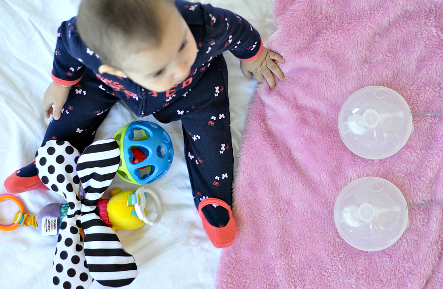 How To Pump and Build A Stash With Freemie Collection Cups Freemie hands-free Pump