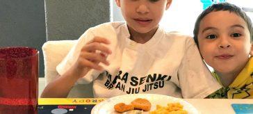 Lunch Time With WonderWoman Tyson Chicken