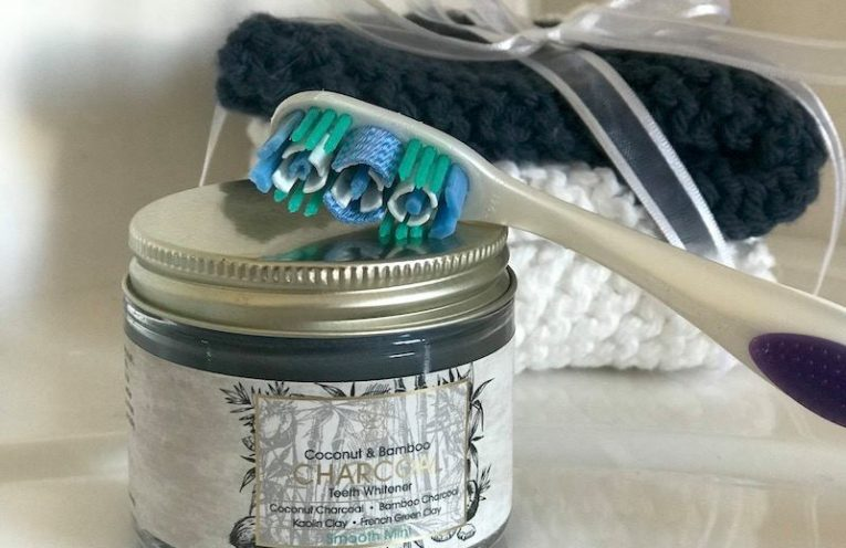 Giveaway Activated Charcoal Teeth Whitener