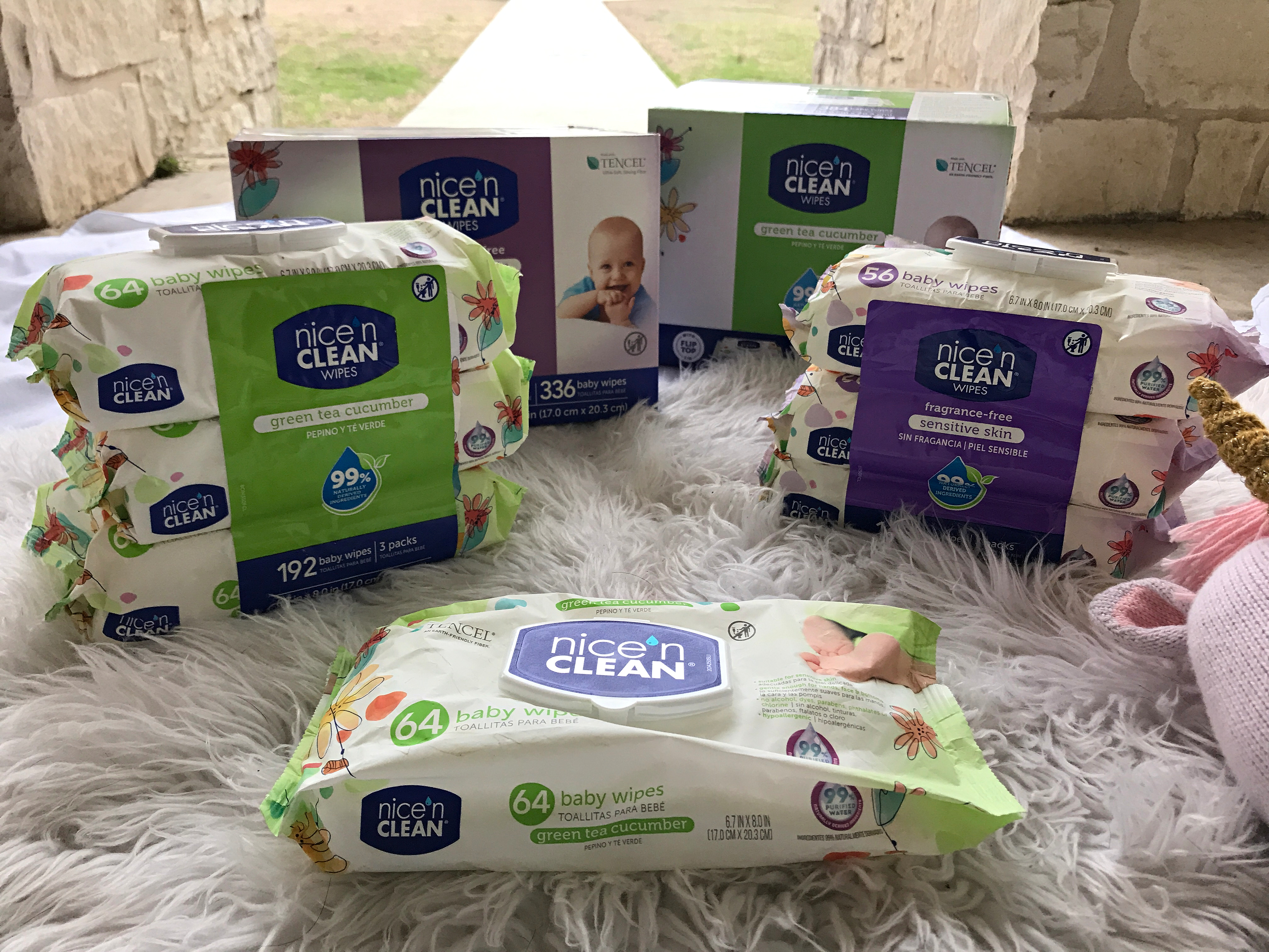 Diaper Changes with Nice N' Clean Baby Wipes #NicenCleanAtHEB