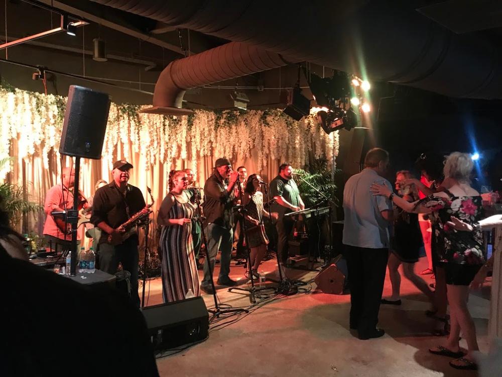 Zoo La-La VIP Live Music
