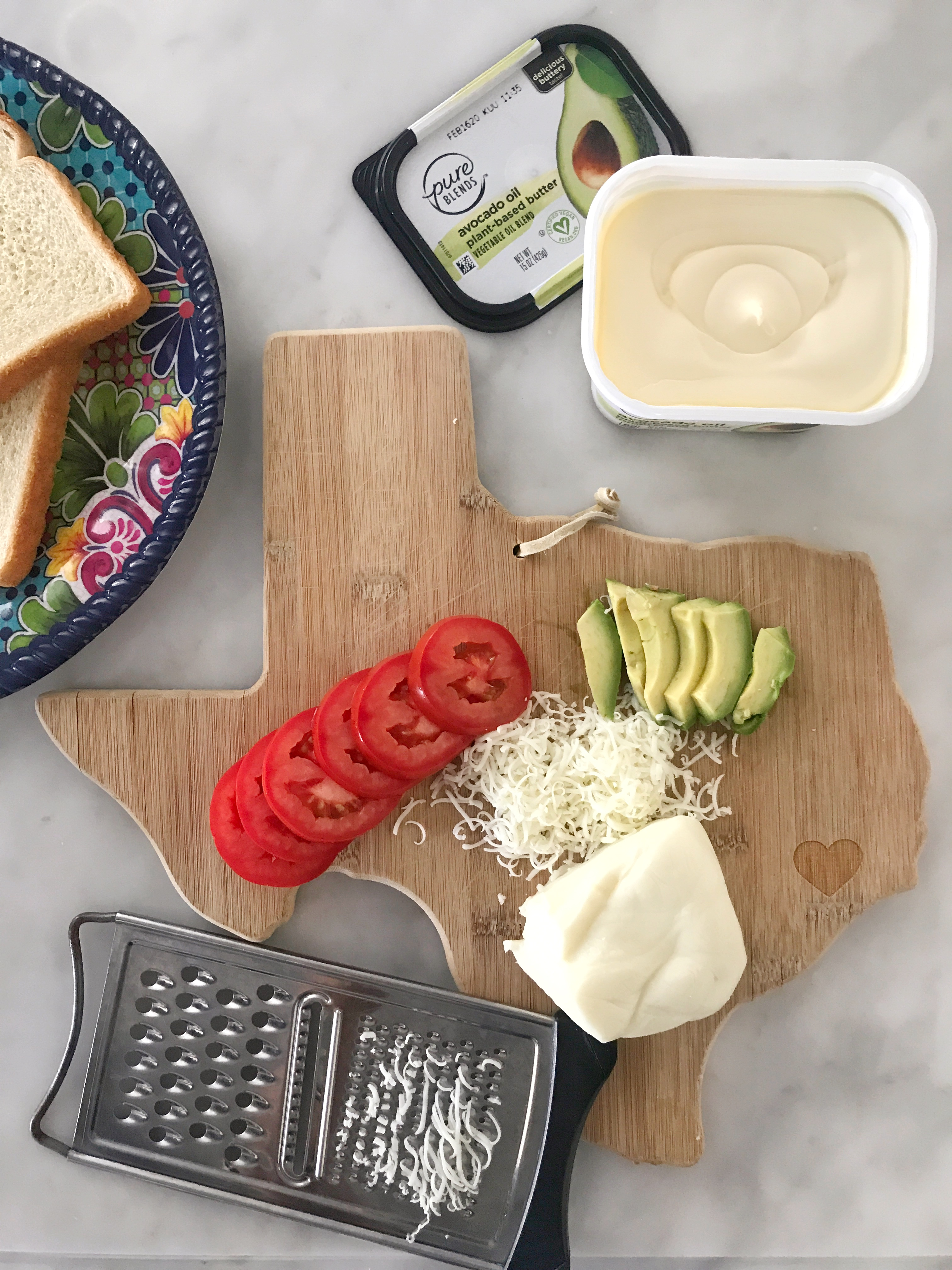 Tomato and Avocado grilled cheese sandwich ingredients
