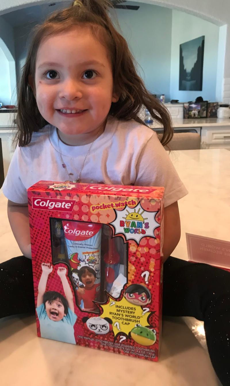 ryans world colgate set for kids christmas essentials (1)